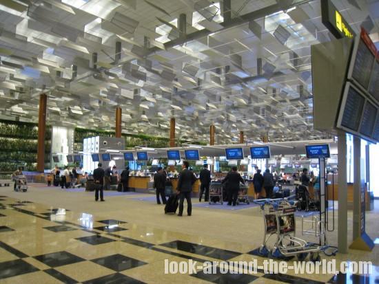 シンガポール・チャンギ空港・ターミナル3でのチェックイン