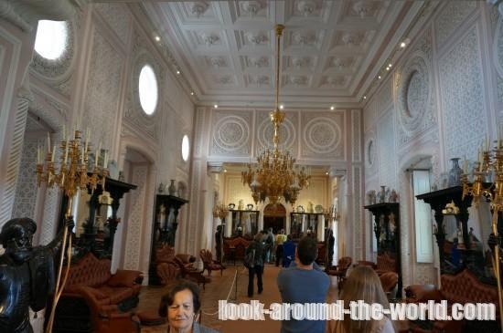 カラフルで荘厳!リスボン近郊の街シントラにあるペーナ宮殿