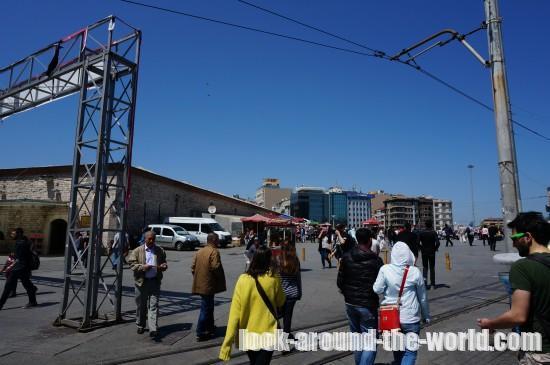 イスタンブールNo.1繁華街イスティクラル通りをタクシム広場まで散策