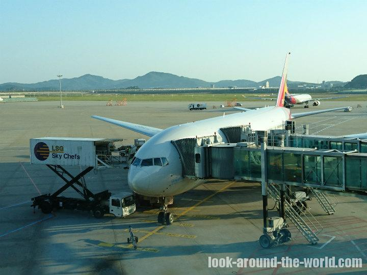 アシアナ航空OZ741仁川国際空港発バンコク行きB777-200ER