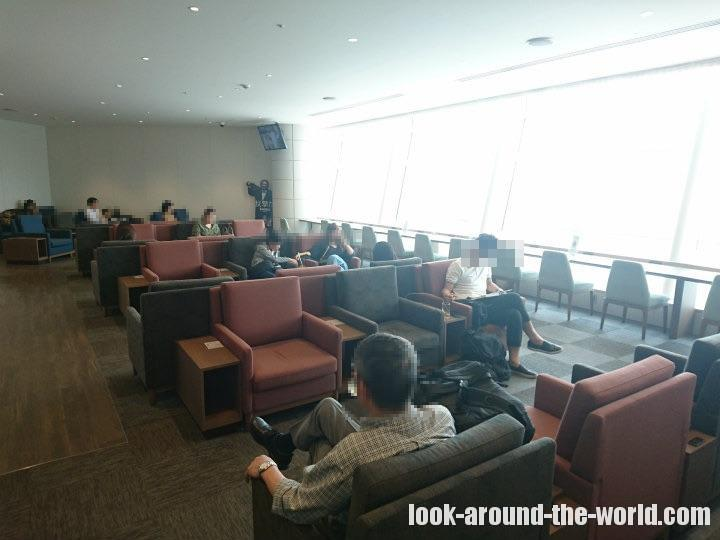 クレジットカード上級会員なら無料で使える羽田空港国際線ターミナルのSKY LOUNGE