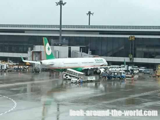 成田空港で中国国際航空CA926北京行きチェックイン