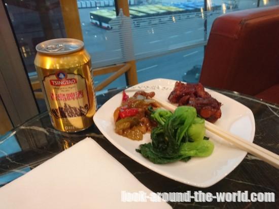 エアチャイナ ビジネスクラスラウンジの食事
