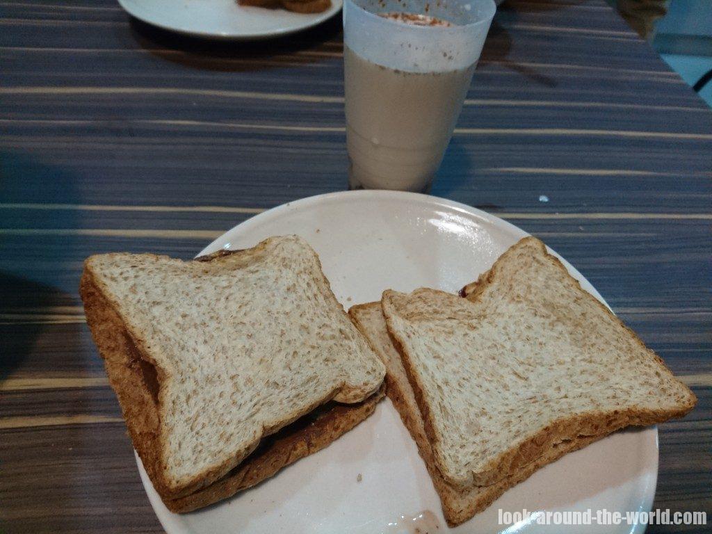 ファイブ・ストーンズ・ホステルの朝食