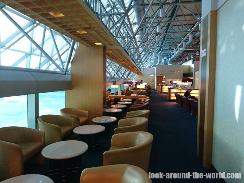 台湾桃園国際空港のシルバークリスラウンジ