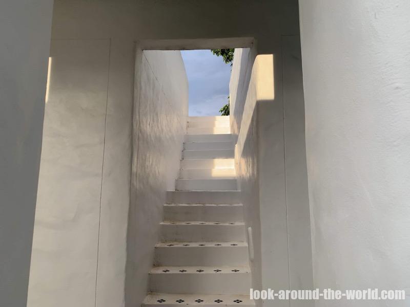 ヴィラ・ラ・フローラ Villa la Floraのテラスへの階段