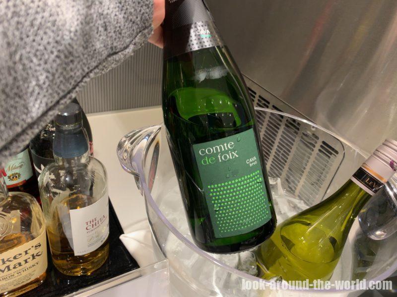 ANAラウンジのスパークリングワイン